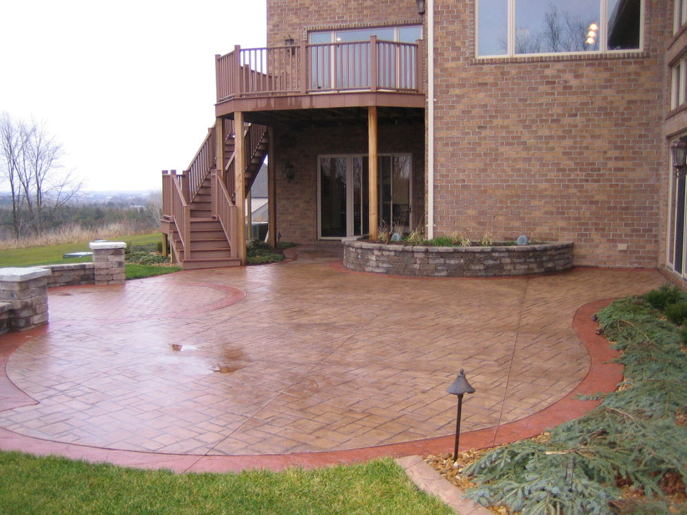 Decorative Concrete Patio and Pavers